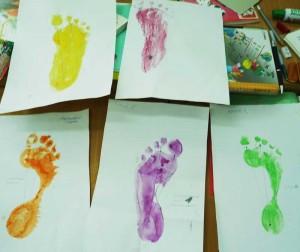 Отпечатки краской детских стоп